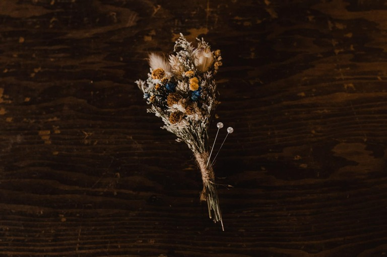 dried flower boutonnière at texas hill country venue