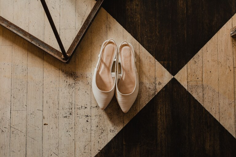 chinese laundry wedding flats in white